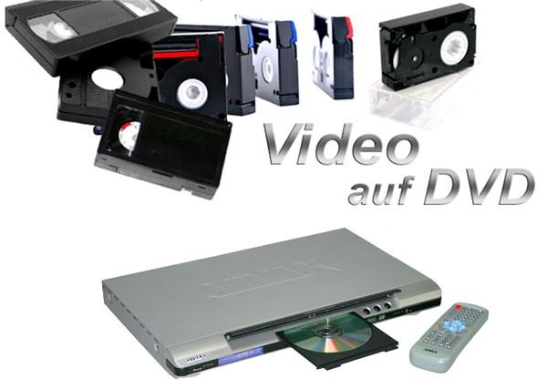 Videokassetten in verschiedenen Formaten und DVD-Player