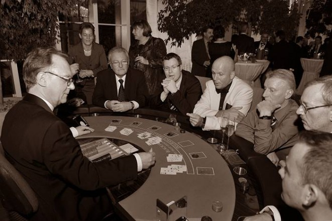Eventfotografie: Im Casino am Blackjack-Tisch
