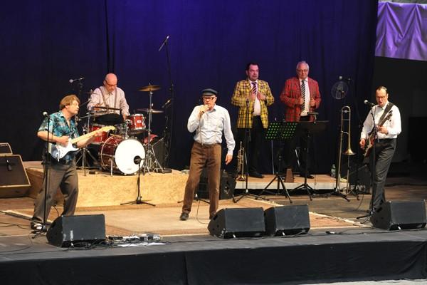 Fantastival 2017 im Burgtheater Dinslaken: Herbert Knebels Affentheater mit der Bläsersektion der Popolskis