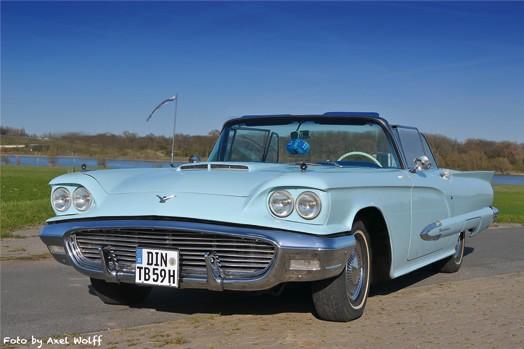 Hochzeitsfotograf Foto Wolff: Der Oldtimer Ford Thunderbird Cabrio steht Ihnen als Hochzeitswagen zur Verfügung