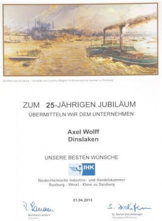 IHK Duisburg gratuliert Foto Wolff zum 25-jährigen Jubiläum 2013